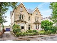 4 bedroom property to rent in Regent Square, Doncaster DN1