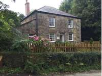 3 bedroom detached house to rent in St Austell, PL26