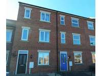 3 bedroom semi-detached house to rent in Tuxford, Newark NG22