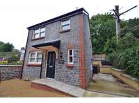 3 bedroom detached house to rent in Clevedon pier and sea front on your doorstep!