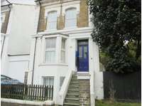 1 bedroom flat to rent in Flat 2 109 Folkestone Road Dover Kent, CT17 9SD