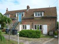 2 bedroom flat to rent in Bekesbourne. Nr Canterbury