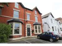 2 bedroom flat to rent in Lytham St Annes, Lancashire