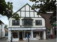 3 bedroom property to rent in High Street