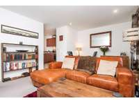 1 bedroom flat to rent in Kennet Island, Reading