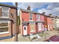 3 bedroom semi-detached house to rent in Colchester, Essex