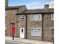 1 bedroom terraced house for sale in Bradford, West Yorkshire