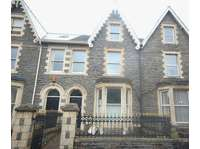 Studio flat to rent in Neath, SA11 3AY
