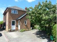2 bedroom flat to rent in Arlesey, SG15