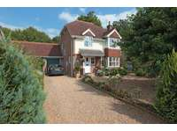4 bedroom detached house to rent in Isfield, east Sussex.