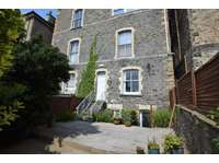 3 bedroom maisonette to rent in Situated in the chic 'cafe' style surroundings of Hill Road, Clevedon