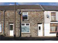 2 bedroom terraced house to rent in Ton Pentre, CF41 7AQ