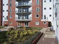2 bedroom flat to rent in London Road, Newcastle Under Lyme.