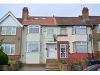 3 bedroom house to rent in Greenford, UB6