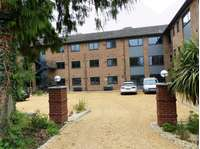 1 bedroom flat to rent in NEW - MODERN APARTMENT