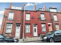 4 bedroom terraced house to rent in Sandhurst Road, Leeds LS8