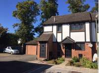 1 bedroom flat to rent in East Molesey
