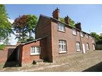 3 bedroom maisonette to rent in Cambridgeshire, CB21
