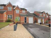 3 bedroom semi-detached house to rent in Poole, Dorset