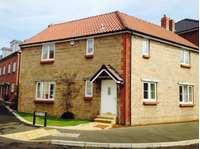 4 bedroom detached house to rent in Birch Way, Crewkerne