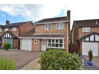 3 bedroom detached house to rent in Canford Heath
