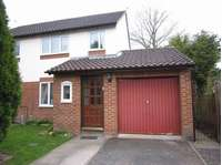 3 bedroom property to rent in Coppice Close, Droitwich WR9