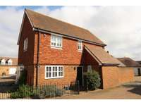 3 bedroom detached house to rent in Anisa Close, Kings Hill