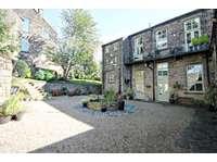 2 bedroom flat to rent in Park School Mews, Bingley