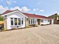 3 bedroom detached bungalow for sale in Brentwood, Essex CM15