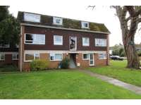 2 bedroom flat to rent in Shelley Close