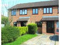 3 bedroom terraced house to rent in Bracknell, Berkshire