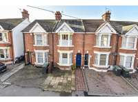 2 bedroom terraced house to rent in Malling Road, Snodland