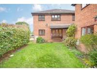 2 bedroom semi-detached house to rent in Slough, SL2