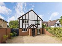 6 bedroom detached house to rent in Surrey, KT8