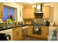 2 bedroom flat to rent in Armthorpe, Doncaster DN3