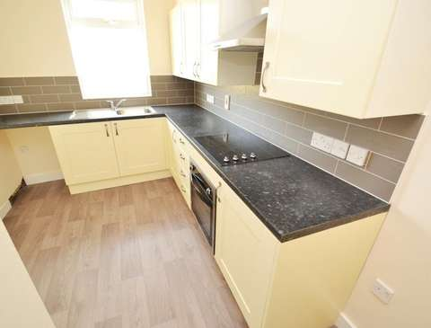 Photo of 2 bedroom flat to rent in Weymouth