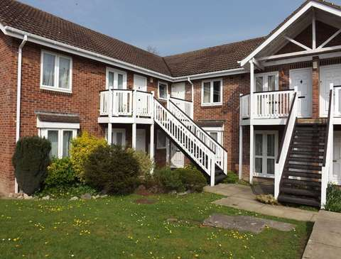 Photo of 1 bedroom flat to rent in Newton Abbot