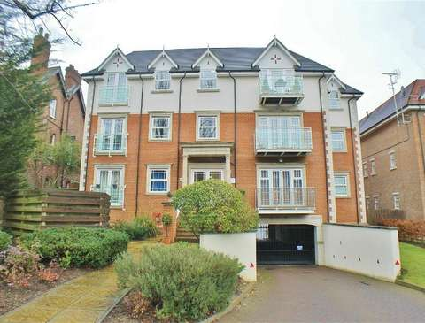 ad9fa5312af3 Flats to rent in Hayes Bromley