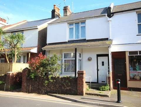 Photo of 1 bedroom flat to rent in Old Torquay Road, Paignton