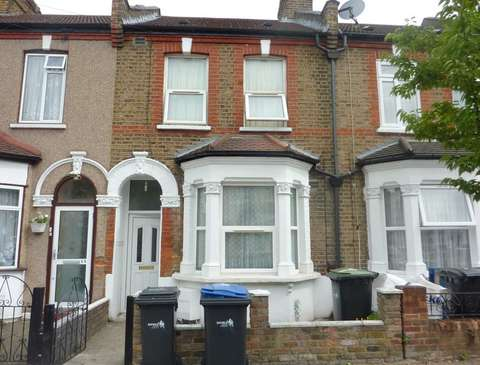 Photo of 3 bedroom property to rent in Lancaster Road, London N18