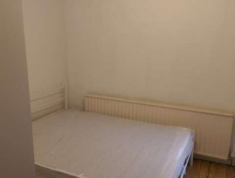 Photo of Room to rent in Mitchley Road N17