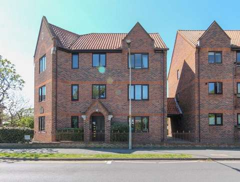 6ae6137b2 Flats for sale in Highwoods
