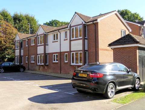 Photo of 2 bedroom flat for sale in Maunsell Park, Pound Hill, Crawley