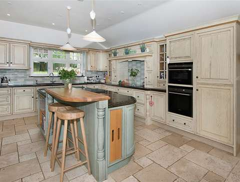 Photo of 6 bedroom detached house for sale in Broadstairs, Kent CT10