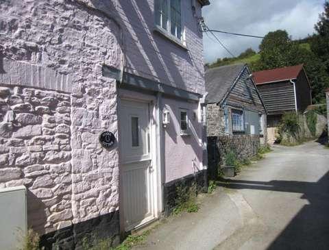 Photo of 1 bedroom flat to rent in Buckfastleigh, Devon TQ11