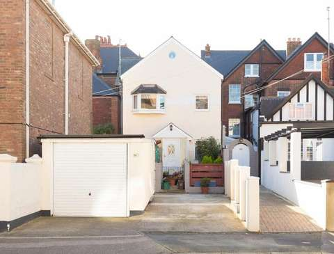 Photo of 3 bedroom house for sale in West Cliff Road, Broadstairs