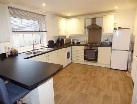 Photo of 2 bedroom flat to rent in Portland, Dorset DT5