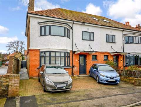 Photo of 3 bedroom flat for sale in Broadstairs, Kent CT10