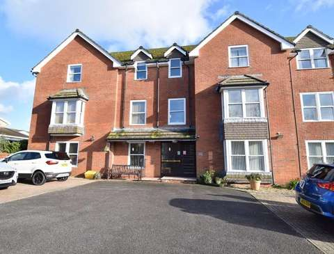 Photo of 1 bedroom flat to rent in Grosvenor Road, Weymouth