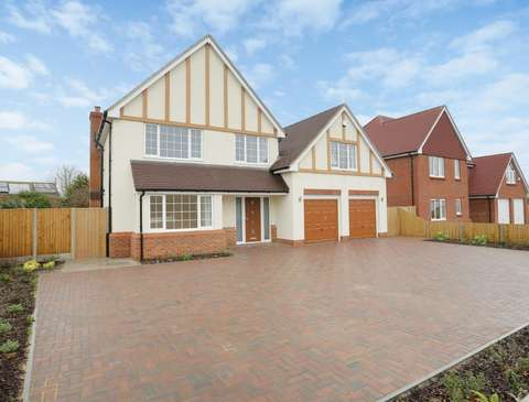 Photo of 4 bedroom detached house for sale in Park Avenue, Broadstairs CT10